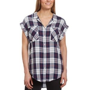 Jachs Girlfriend Plaid Split Hem Button Down Top